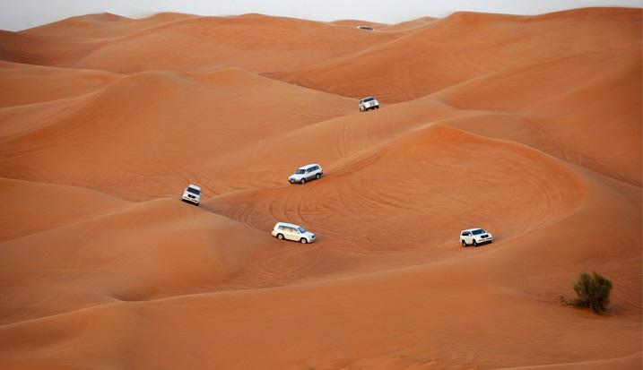 slide-ドバイ-砂漠